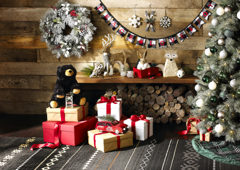 Find the best gift in fashion, beauty, home and toys this holiday season at Macy's. (Photo: Business Wire)