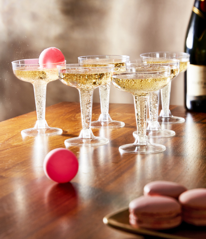 Macy's takes the stress out of last-minute shopping with great gifts and convenient services to make sure shoppers get all their holiday gifts in time for Christmas; Studio Mercantile Champagne Pong Game, $20, available on macys.com (Photo: Business Wire)