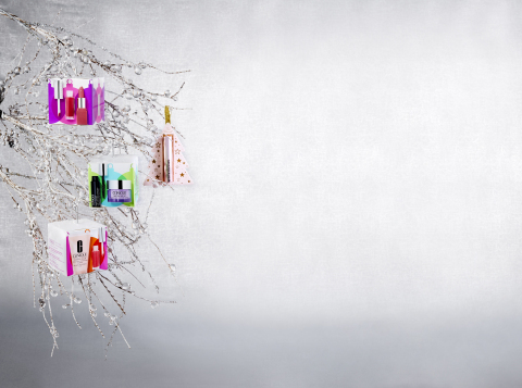 Macy's takes the stress out of last-minute shopping with great gifts and convenient services to make sure shoppers get all their holiday gifts in time for Christmas; Clinique Ornaments, $9.50, available on macys.com (Photo: Business Wire)