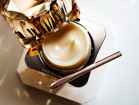 Macy's, the ultimate, one-stop gift destination, makes holiday shopping even easier with an expert selection of thoughtful gifts; Clé de Peau Beauté La Crème $550 (Photo: Business Wire)